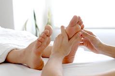 女性には足の血液の流れにとってよくない環境が多いものです
